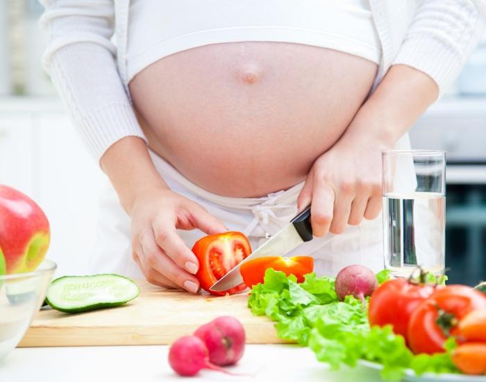 Mẹ bầu bổ sung chất dinh dưỡng hợp lý