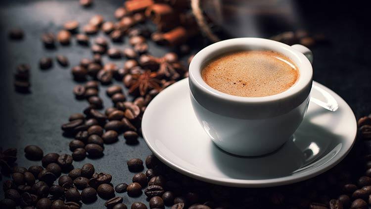 4. Xa rời những ly cà phê đầy cám dỗ 1