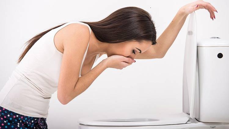 4- Xuất hiện những cơn buồn nôn, ốm nghén 1